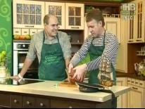 Ильсур Сафин готовит 'Конину с чесноком и хреном'